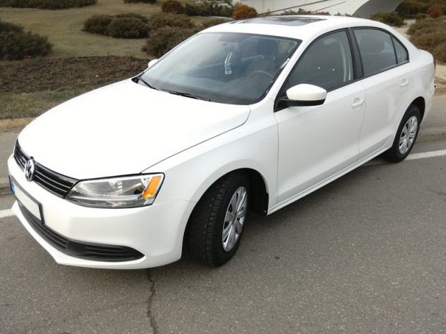 volkswagen jetta  car rental reservations